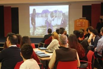 Foto de preparando la presentación