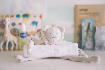 Foto de Doudou y muselina para bebés: un regalo práctico para