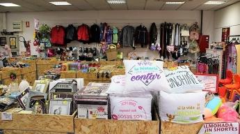 Interior tienda cadena Sqrups!