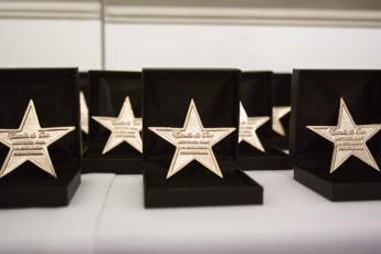 La marca de préstamos Monedo Now recibe la Estrella de Oro a la Excelencia Profesional