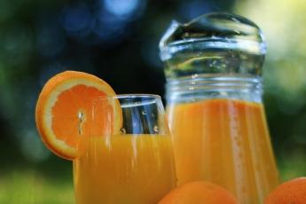 Néctar, zumo concentrado o zumo natural de naranja: ¿cuáles son sus diferencias?