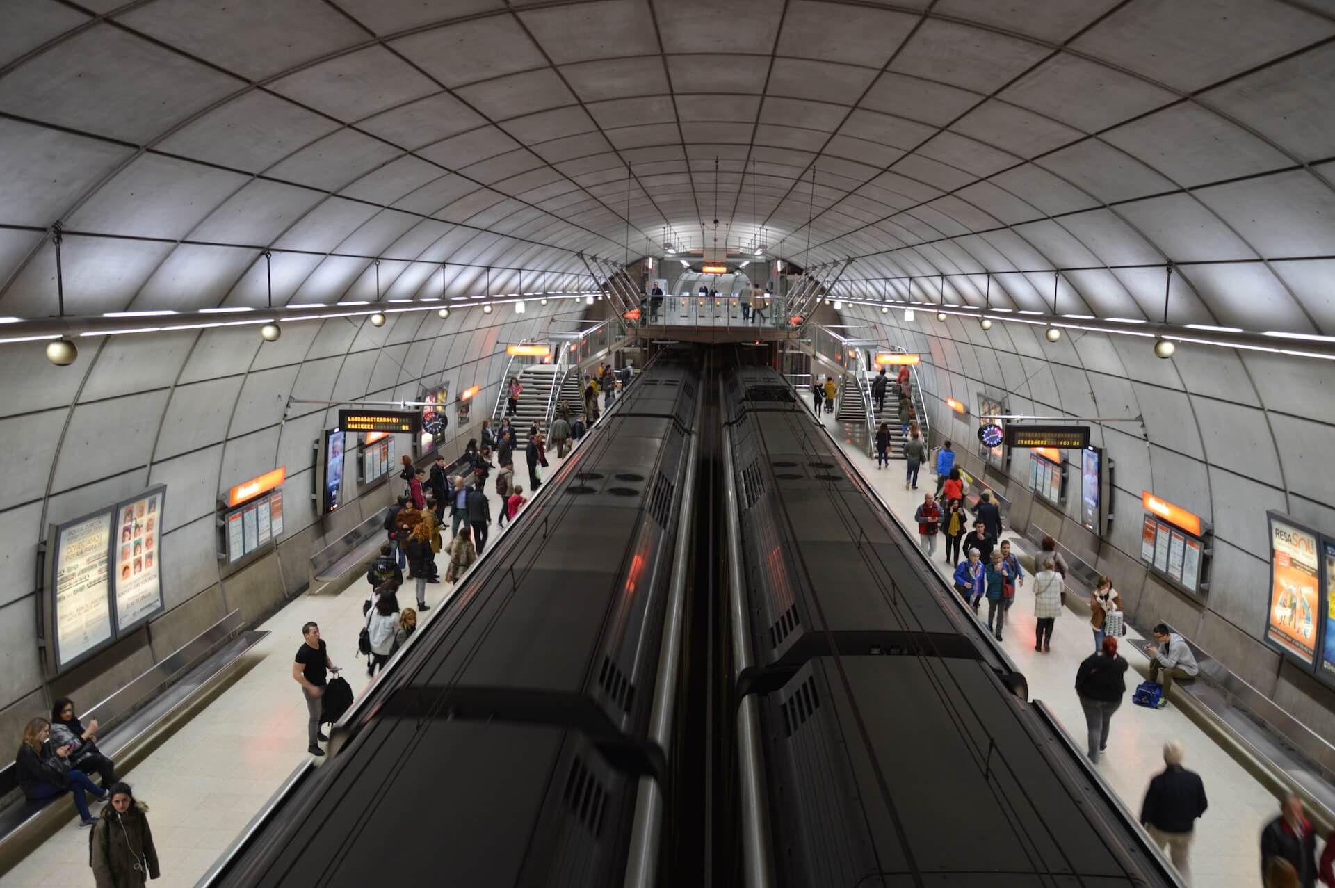 Wifinova inaugura WiFi en las estaciones de Indautxu y Abando en Metro Bilbao