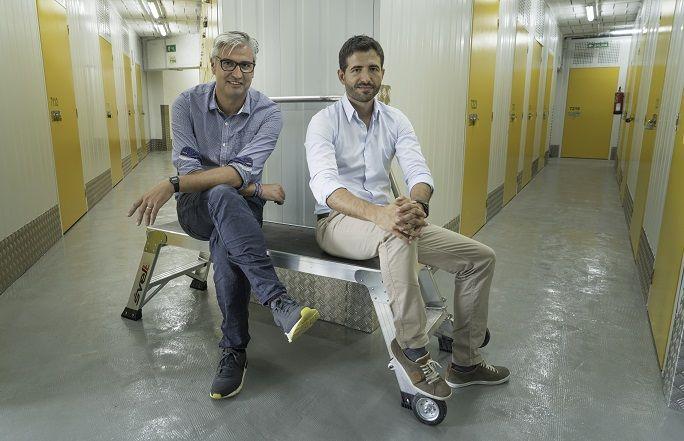 Foto de Nicolás Pérez y Liher del Río, fundadores de OhMyBox!
