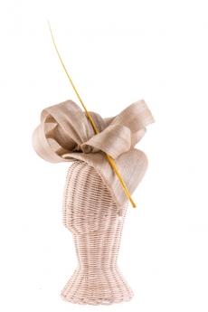 Trato exquisito, tocados y champagne en Las Damas de la Corte