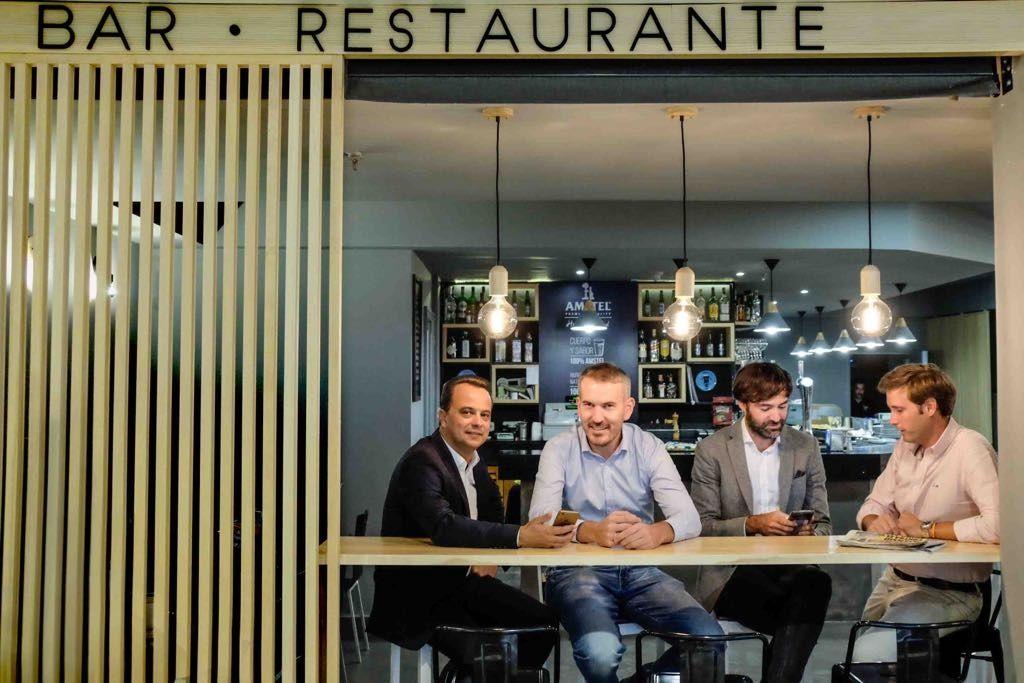 Empresas: Up SPAIN adquiere la app HeyPlease, que permite pagar en bares y restaurantes con el móvil | Autor del artículo: Finanzas.com