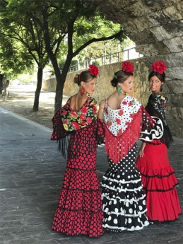 Fabiola 1987 presenta su nueva colección de moda flamenca