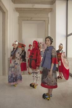 Modelos de la colección que representará a España en la Semana del Diseño de Praga