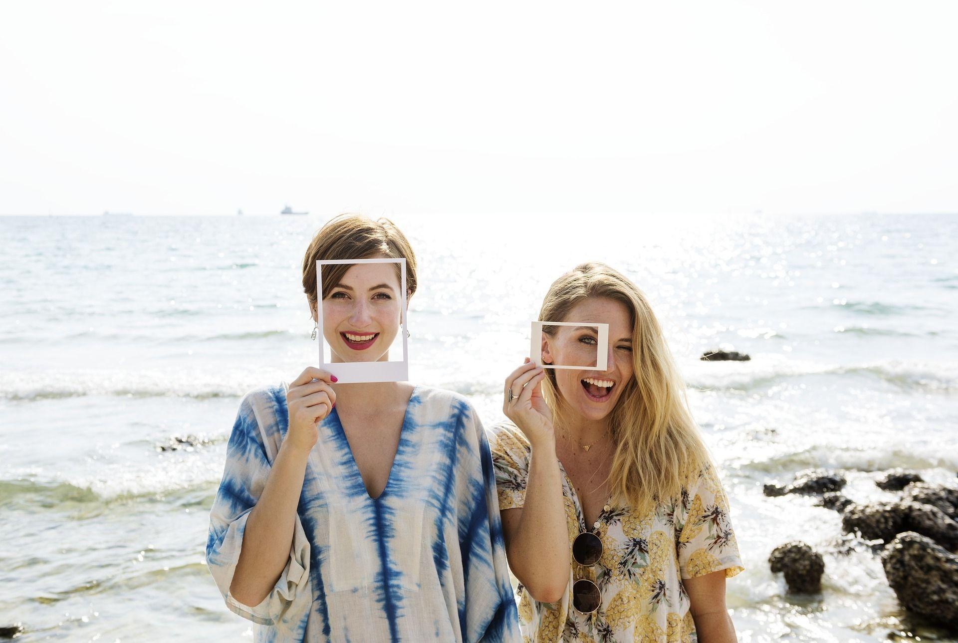 Vuelve la tendencia de las fotos en papel por ideasdcor.com