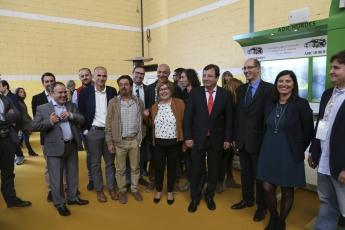 Presidente de Extremadura, Guillermo Fernandez Vara, (en el centro) en la Inauguración de la  V Feria Internacional de Apicultur