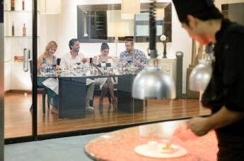 Lo inesperado es el nuevo lujo: La Mesa del Chef es el rincón más VIP de Royal Hideaway Playacar