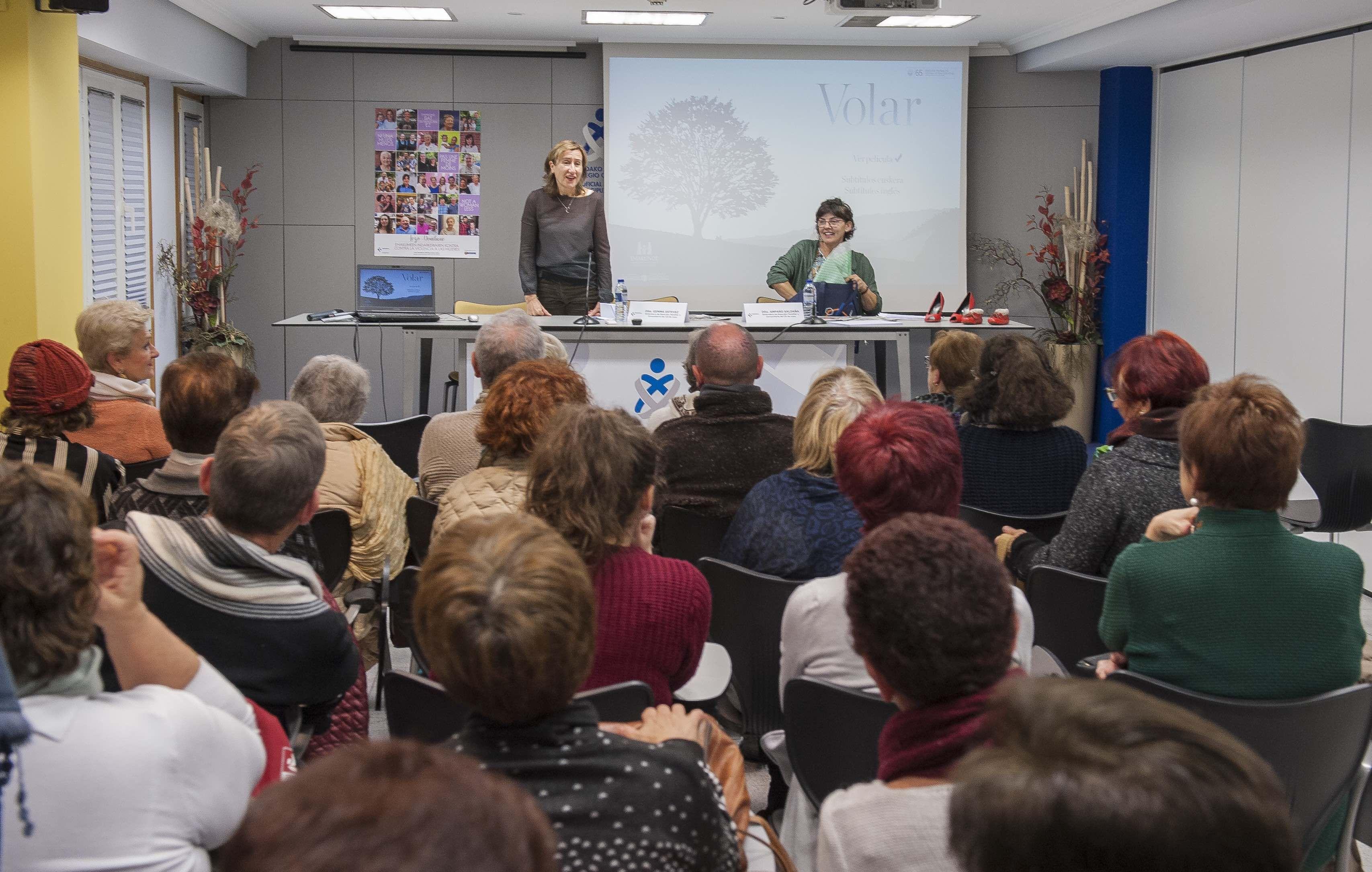 Foto de Un momento de la sesión celebrada ayer en el Colegio de