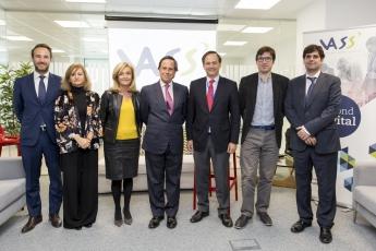 Foto de Representantes de VASS y del Ayuntamiento de Alcobendas en el