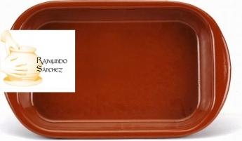 Raimundo Sánchez recomienda las fuentes de barro para los asados de Navidad