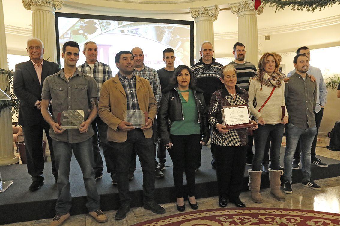 Se entregan los premios laboral kutxa lorra a las for Laboral kutxa oficinas bilbao
