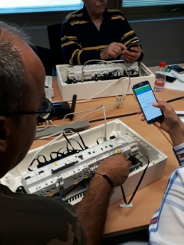 Schneider Electric diseña EcoXpert Home&Small Business, un nuevo programa para instaladores electricistas