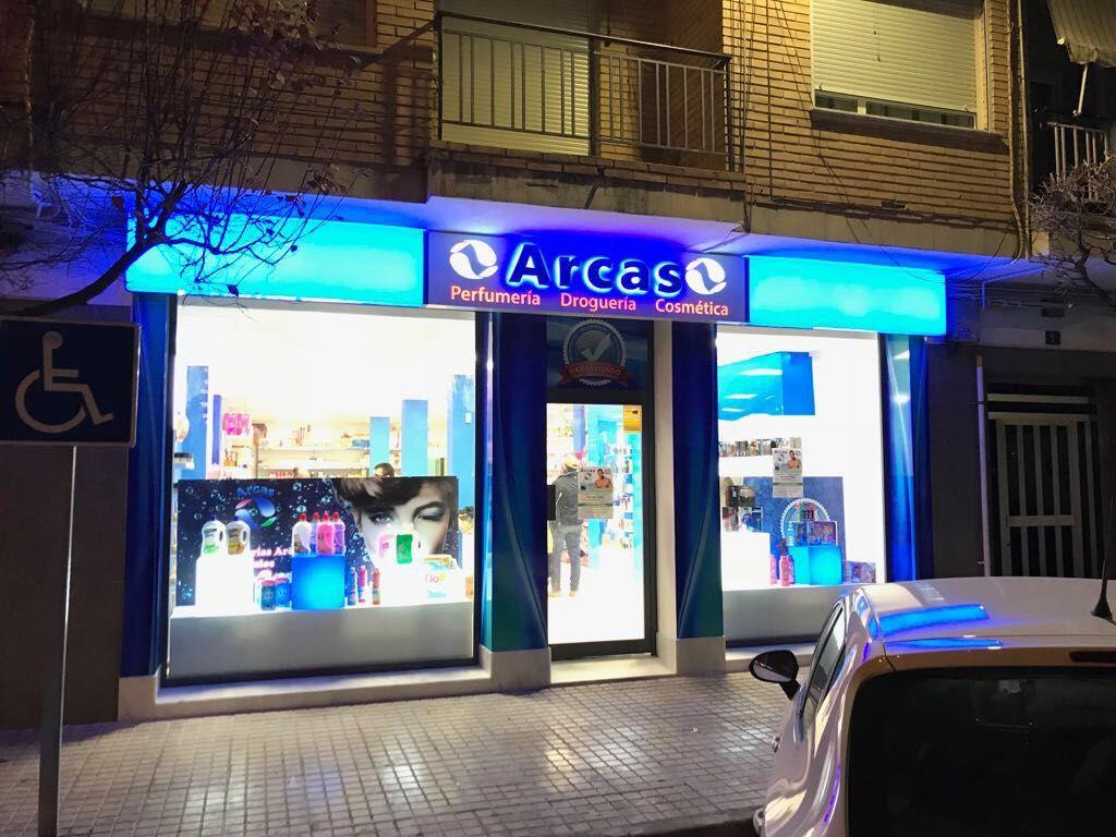 Foto de Fachada de Arcas en Yecla, Murcia
