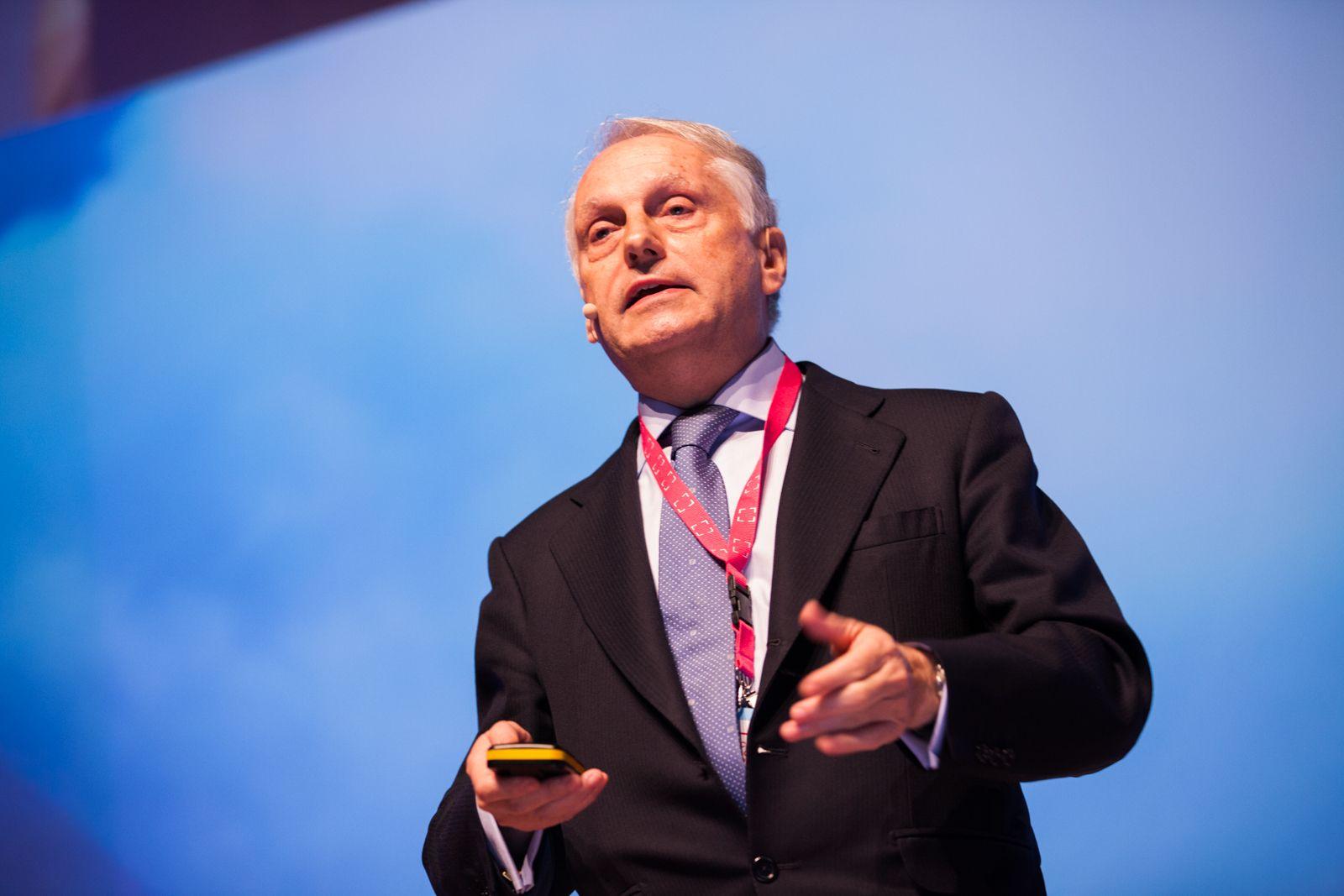 Foto de Carlos Mira, director del programa de transformación