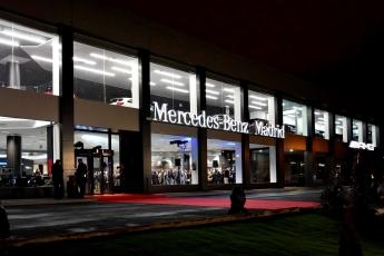 Fachada principal de la Mercedes-Benz Madrid Flagship Store