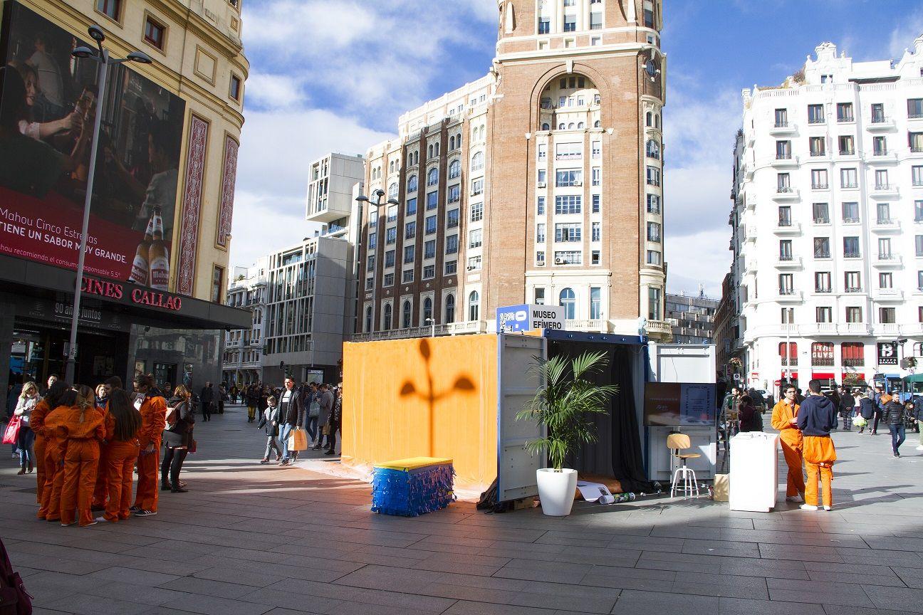 Foto de Contenedores marítimos en plena plaza de Callao, en Madrid