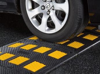 Unimat Traffic da un paso adelante en seguridad vial con su novedosa gama de reductores de velocidad