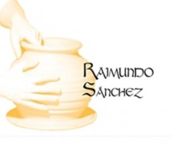 Raimundo Sánchez invita a cocinar recetas de puchero en sus ollas de barro refractario