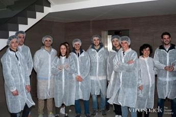 Foto de Estudiantes de ELISAVA vistan la fábrica Virospack (2)