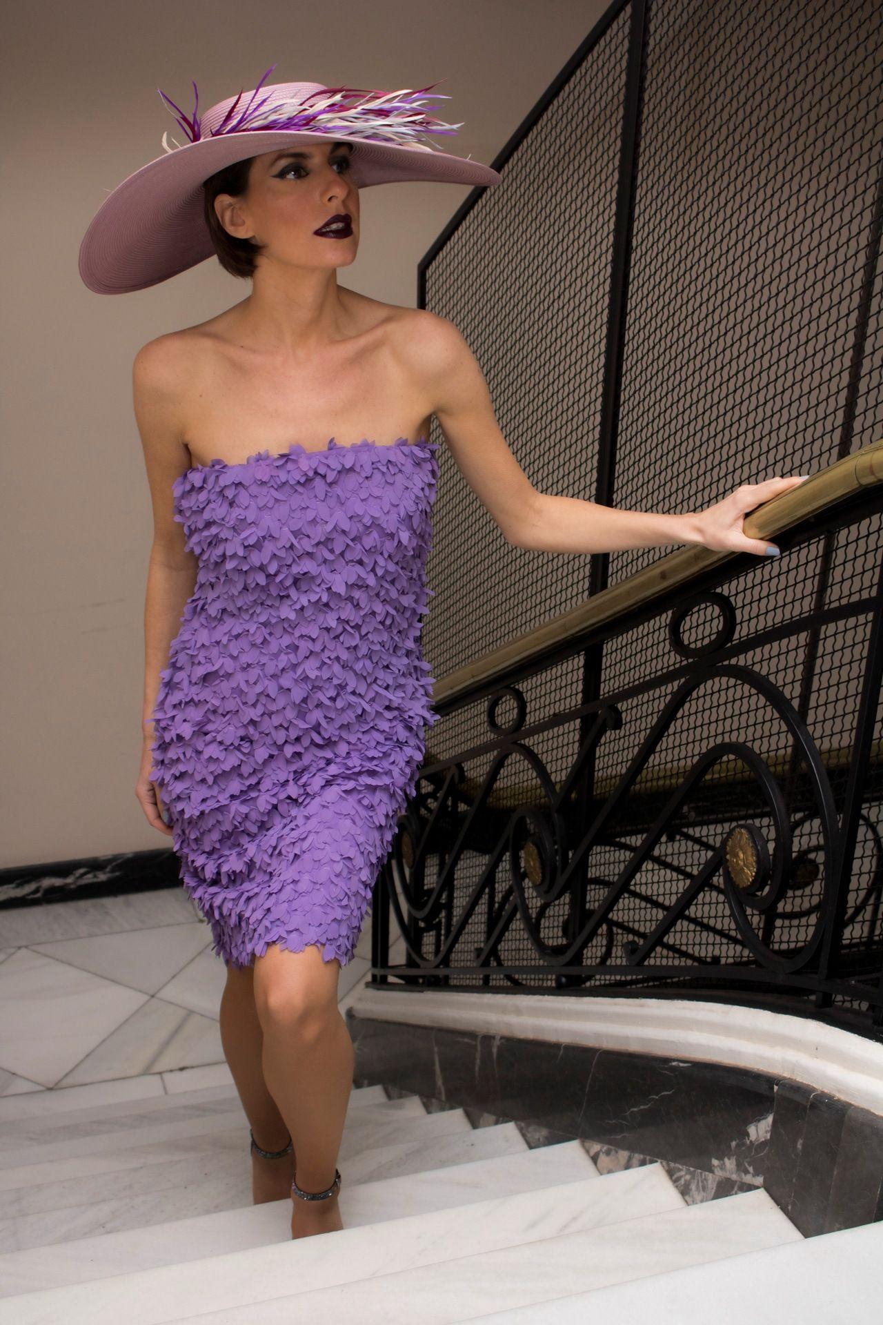 Damas de la Corte presenta con Cisnal su colección de alta costura ...