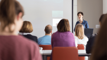 English Our Way ofrece clases de inglés para empresas, un método muy demandado