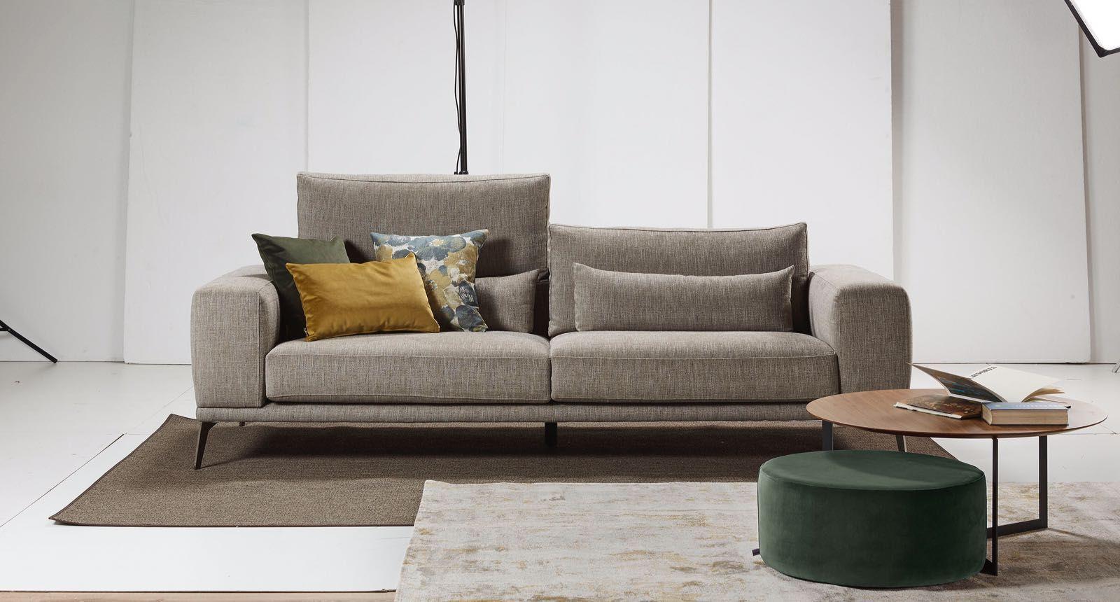 R stica ambientes apuesta por los muebles propios y for Grupo europa muebles