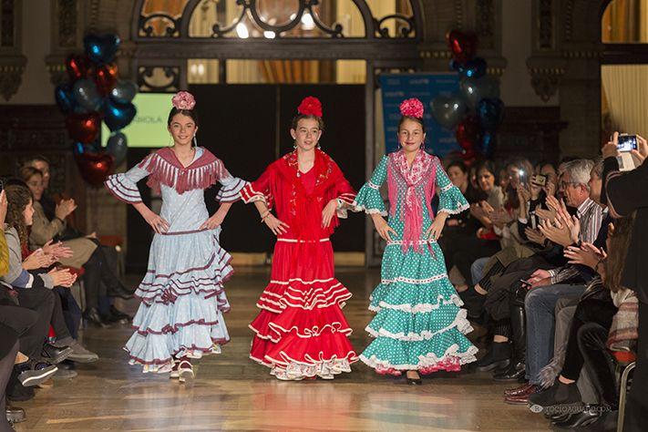 Fabiola 1987 participa en el desfile de moda flamenca infantil a favor de UNICEF