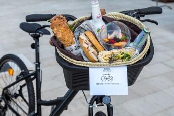 Barceló Hamilton Menorca revoluciona el picnic subiéndolo en dos ruedas