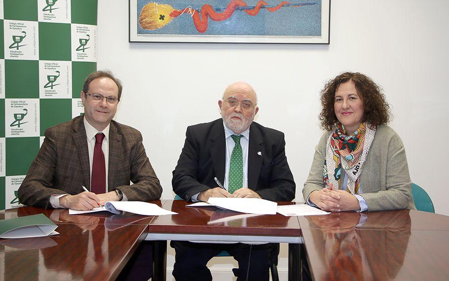 Foto de De izda. a dcha. el presidente de SEFAC, Jesús C. Gómez;