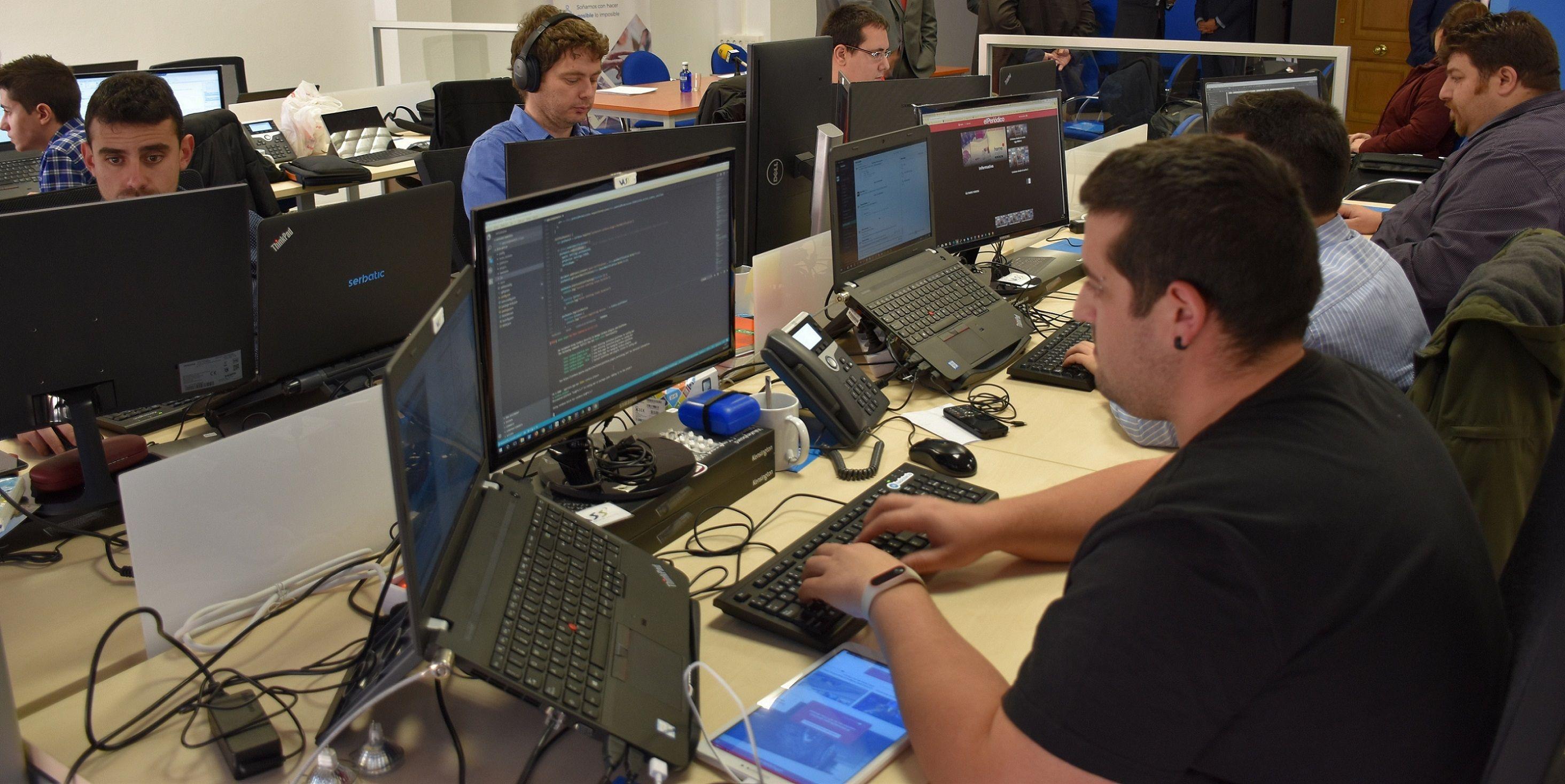Foto de Trabajadores de Serbatic en el Centro Tecnológico de Cuenca