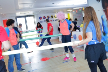 Centraldereservas.com celebra el Día de la Diversión en el Trabajo con un torneo de futbolín humano