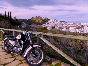 Sentir la carretera significa viajar en moto por Cádiz, según Cadizenharley.com