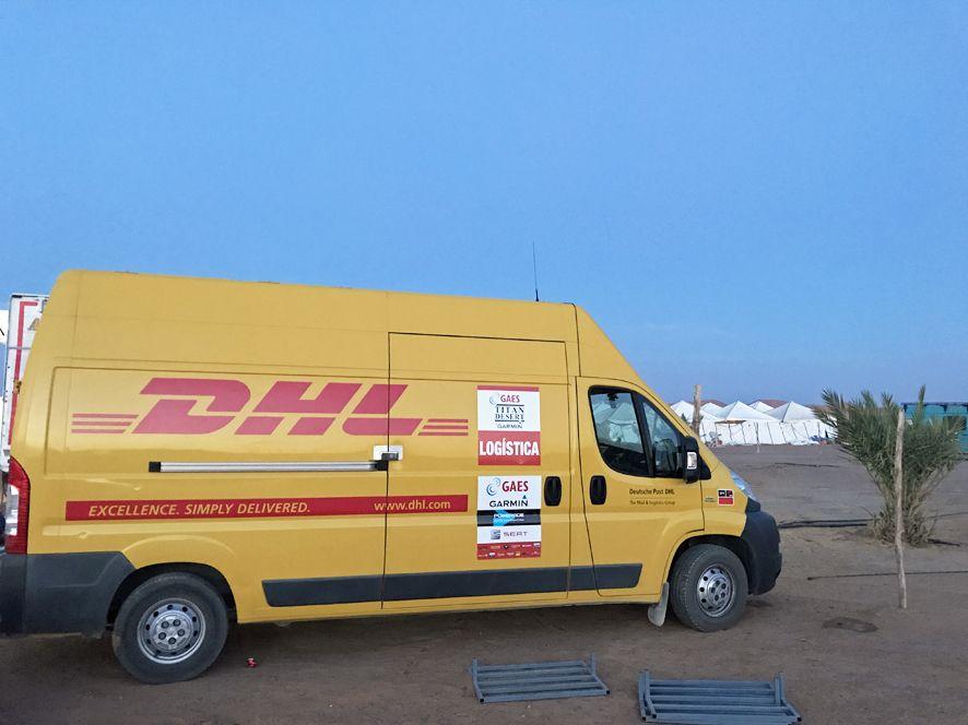 Foto de DHL patrocinador de la GAES Titan Desert by Garmin
