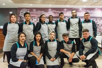 Los alumnos de Creamos Oportunidad en Hostelería de Burgos celebran su primer servicio