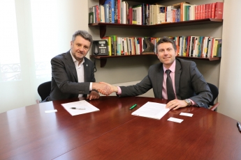 Schneider Electric y CETIB renuevan su convenio impulsando la formación y digitalización de los colegiados