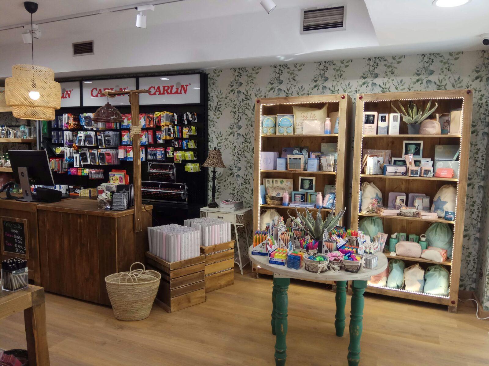 Carlin celebra la apertura de una tienda en sevilla for Material de oficina sevilla