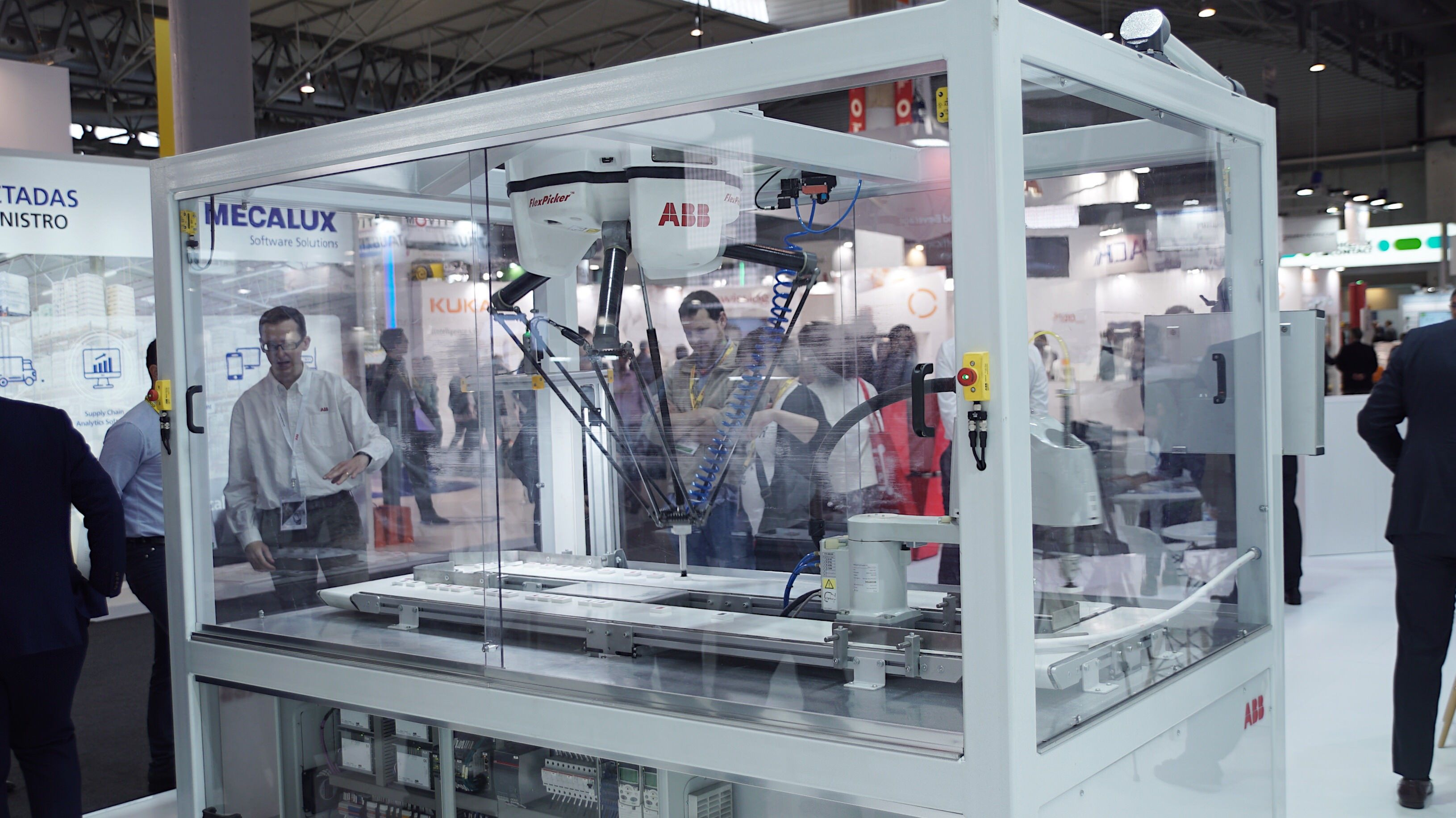 Fotografia IRB 360 FlexPickerTM by ABB Robotics
