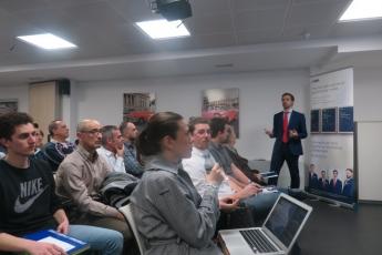 Juan Enrique Cadiñanos en un seminario reciente de Admiral Markets en su sede de Madrid