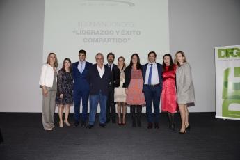 El presidente, director general y parte del personal de Distribuidora Farmacéutica de Gipuzkoa (DFG) durante la convención.