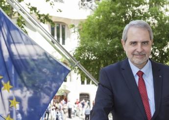 El Sr. Ferran Tarradellas, director de la Oficina Europea en Barcelona, visitó ayer Endermar