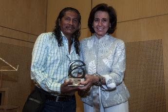 Foto de Bernardino Hernández, ganador del XIV Premio Miguel Gil