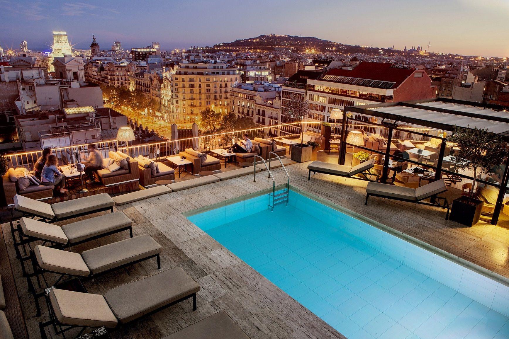 Los planes m s cool se dan cita en los hoteles de majestic for Terrazas de hoteles en barcelona