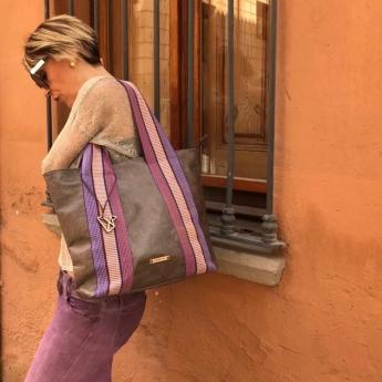 Foto de L'Autre Sac. Bolso Frida Unloved