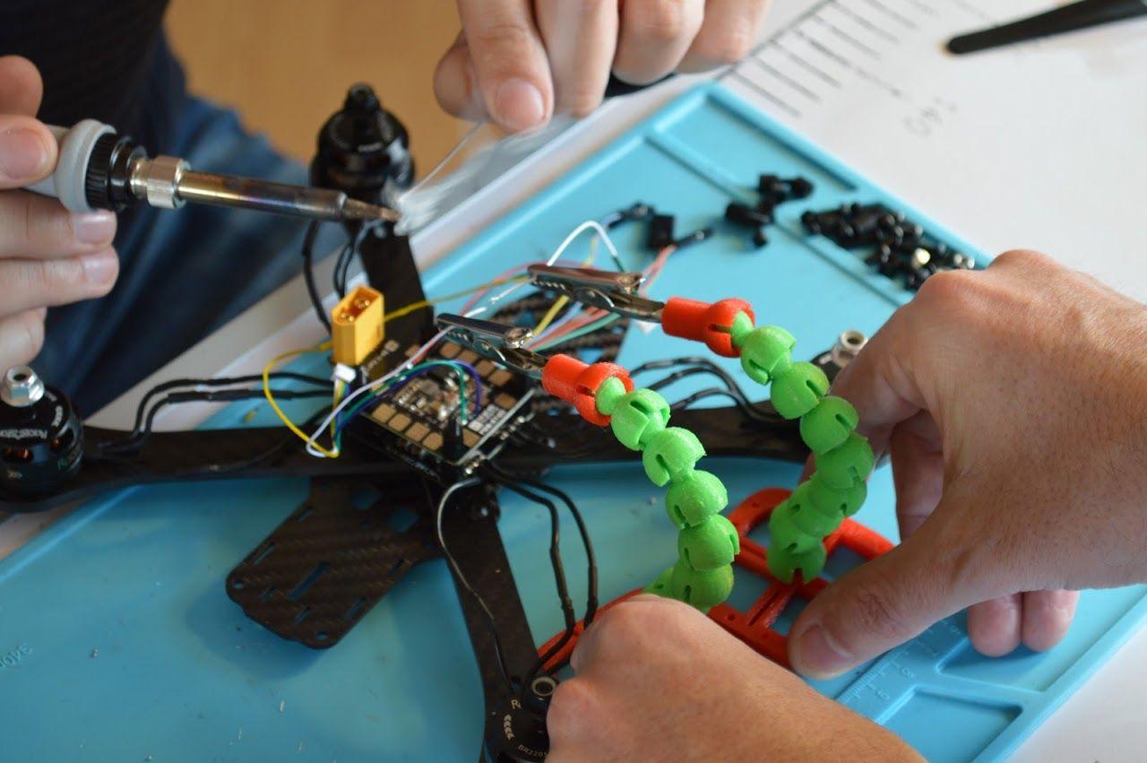 Foto de Taller de creación de drones organizado por IED Madrid