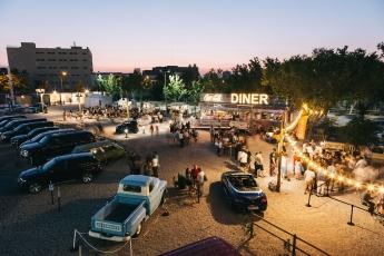 Autocine Madrid inaugura el verano con un After Brunch e inaugurando una zona de hamacas