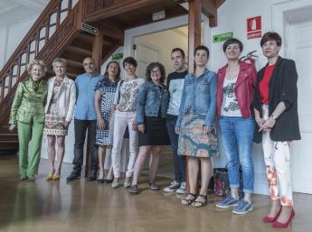 Foto de familia de los ponentes en la Jornada profesional sobre feminicidio.