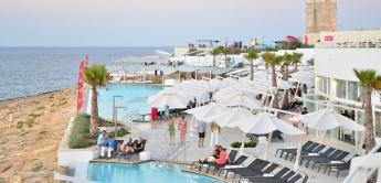 Los beach clubs de Malta para disfrutar este verano en el Mediterráneo